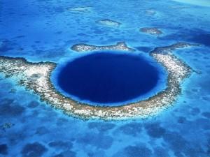 blue-hole-caraibi